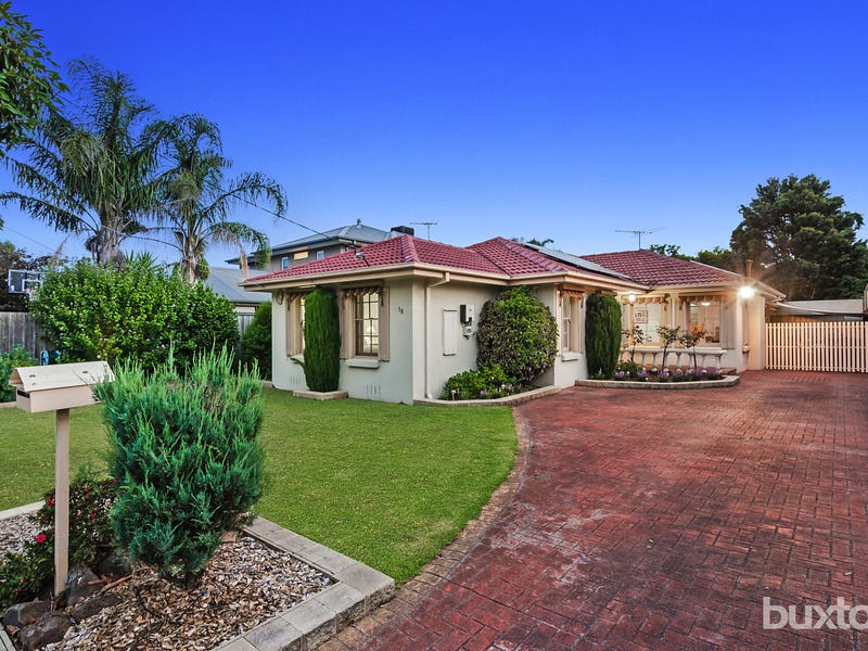18 Campbell Grove, Dingley Village, Vic 3172