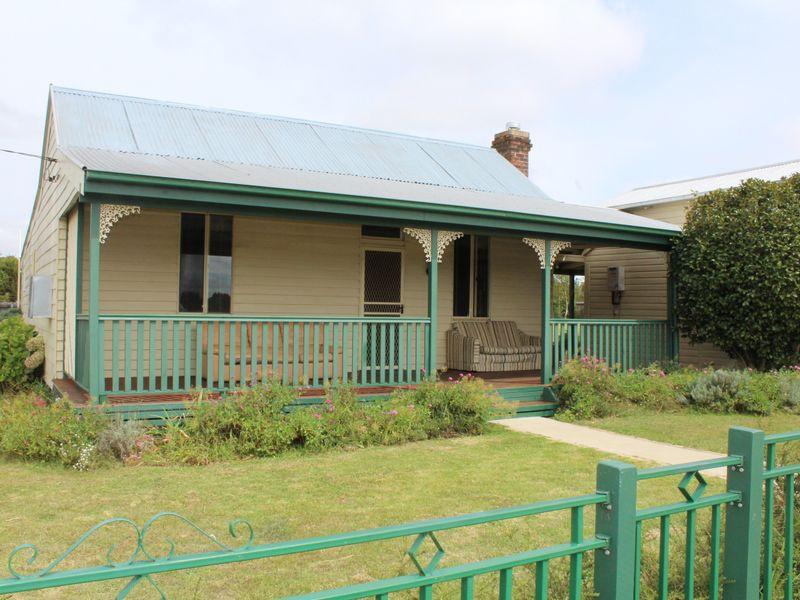 8 Abbott Street, Glen Innes, NSW 2370