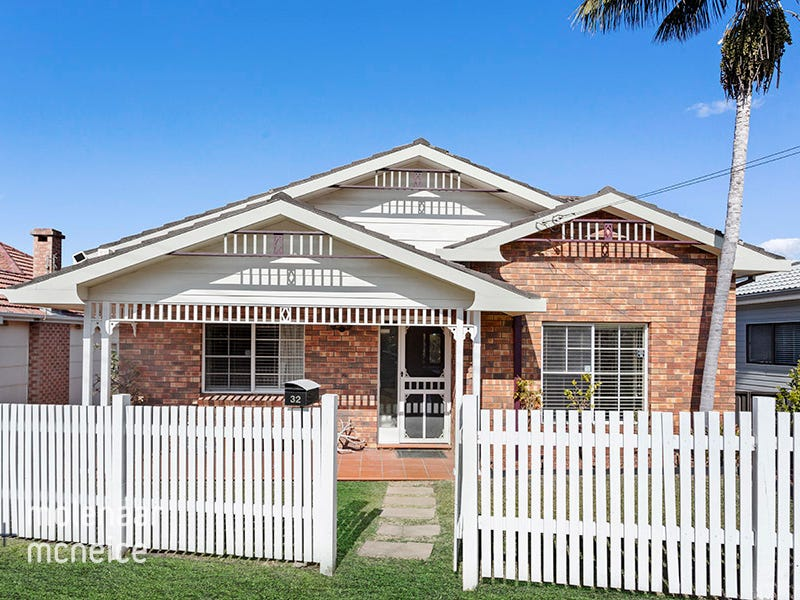 32 Hillcrest Avenue, Woonona, NSW 2517