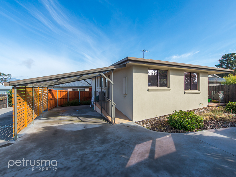 1 132 Burwood Drive, Blackmans Bay, Tas 7052