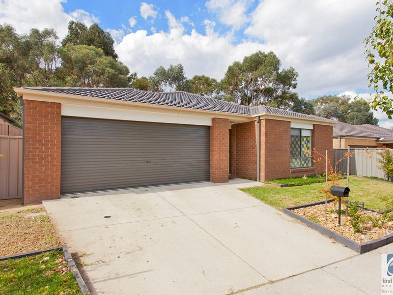 18 Orchard Grove, Beechworth, Vic 3747