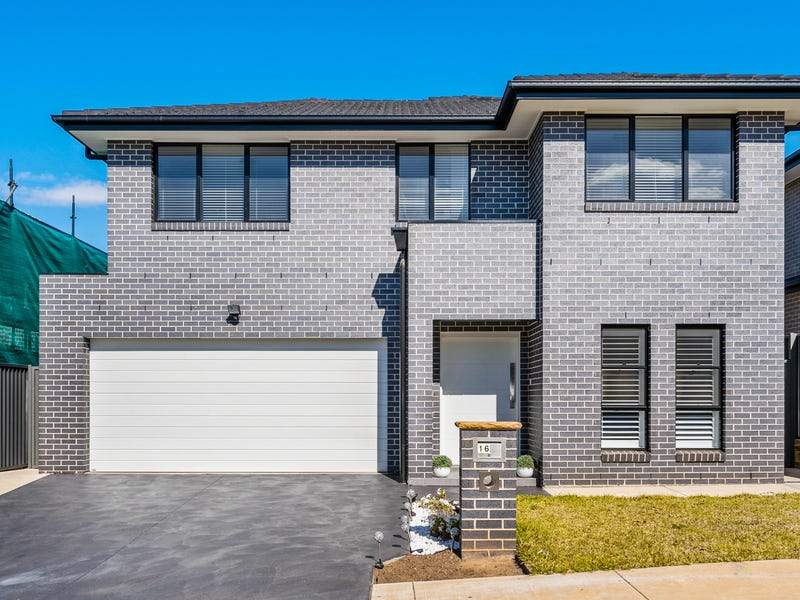 16 Flying Ave, Middleton Grange, NSW 2171
