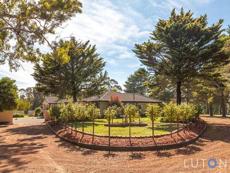 11 Beaumont Crescent, The Ridgeway, NSW 2620