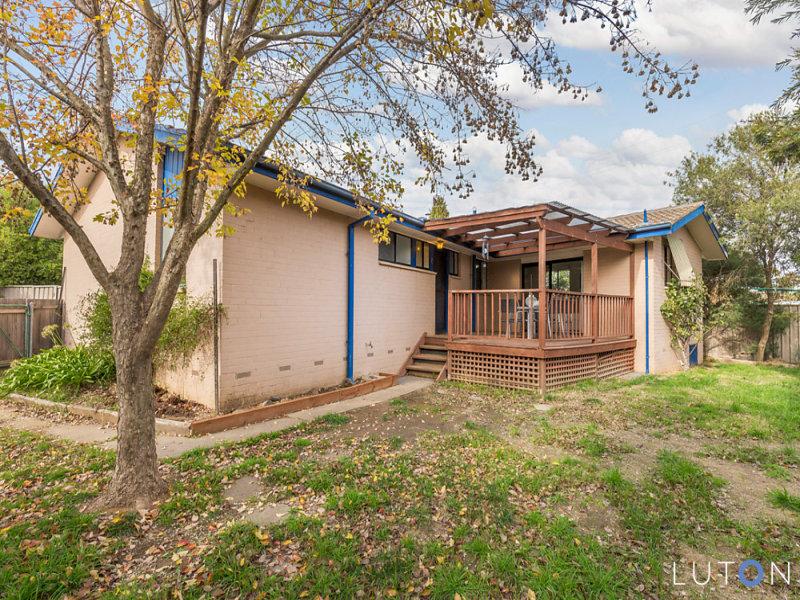 11 Hogan Place, Holt, ACT 2615