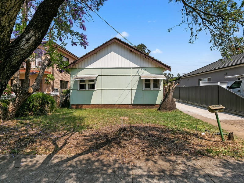 31 Gowrie Avenue, Punchbowl, NSW 2196