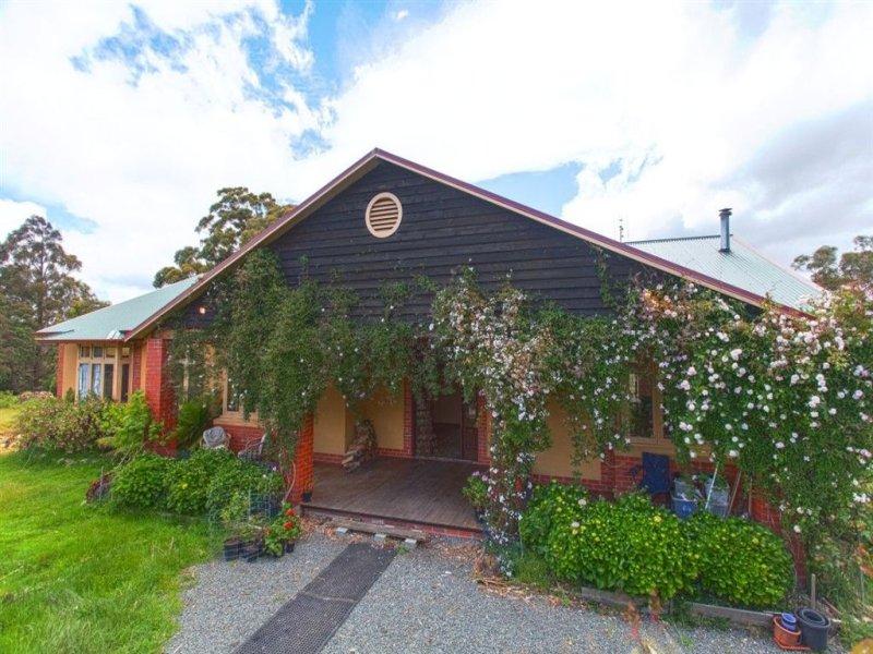 124 Sky Farm Road, Deep Bay, Tas 7112