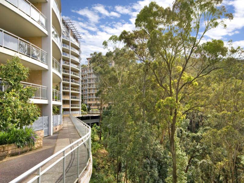 23/80 John Whiteway Drive, Gosford, NSW 2250