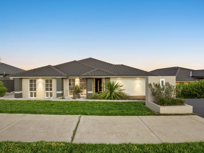 11 Poidevin Place, Goulburn, NSW 2580