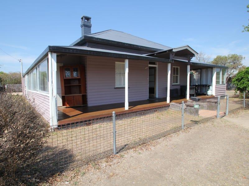137 Miles Street, Tenterfield, NSW 2372