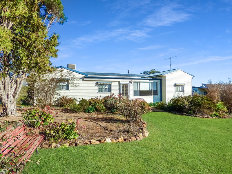 58 Hardys Road, Young, NSW 2594
