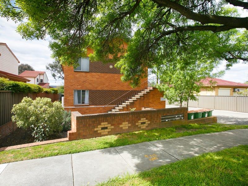 1/5 Adams Street, Queanbeyan West, NSW 2620