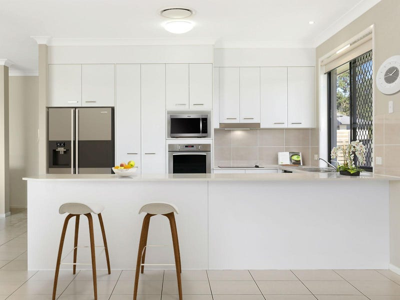 3 Pavia Place, Augustine Heights, Qld 4300
