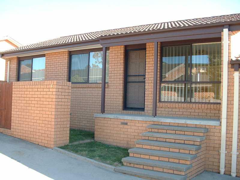 3/24 MOWATT STREET, Queanbeyan, NSW 2620