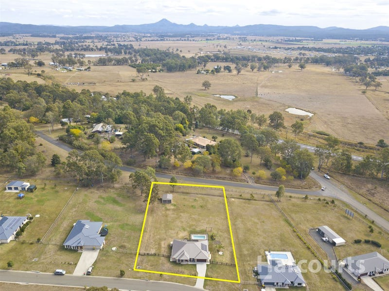7 Tutin Crescent, Woodhill, Qld 4285