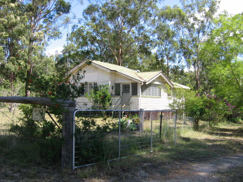 15 Pinnell Road, Crows Nest, Qld 4355