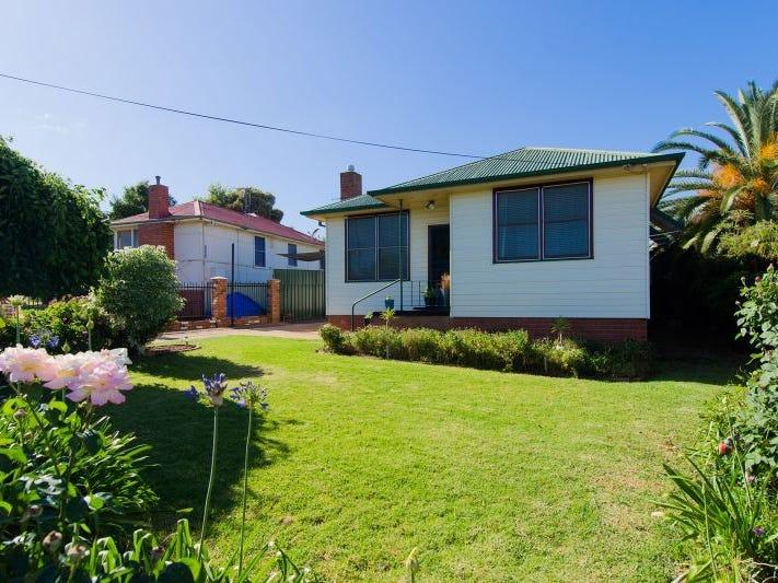 12 Margaret Avenue, Mount Austin, NSW 2650