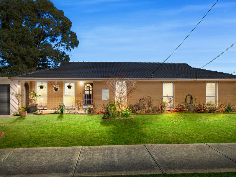 35 Country Club Drive, Chirnside Park, Vic 3116