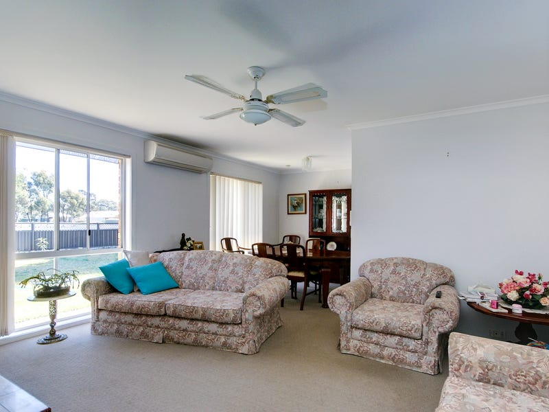 118 Wyatt St, Deniliquin, NSW 2710