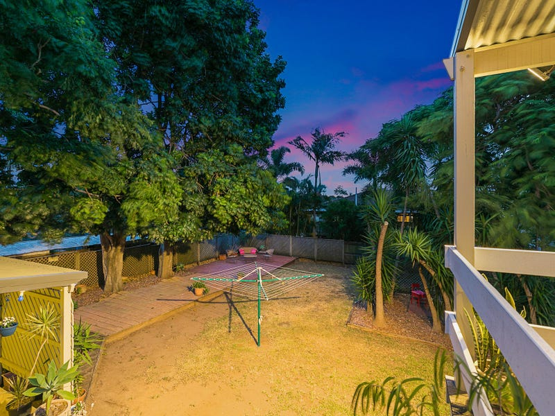 8 Beavis Street, Manly West, Qld 4179