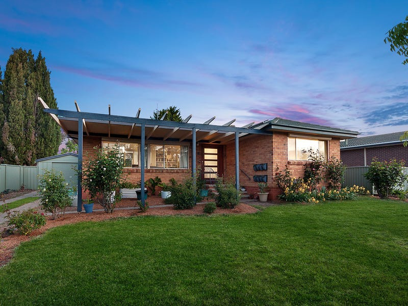 7 Powers Place, Latham, ACT 2615