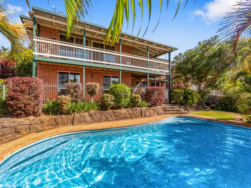 21 Kintyre Crescent, Banora Point, NSW 2486