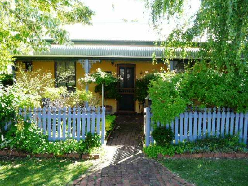 13 Lord Street, Bathurst, NSW 2795
