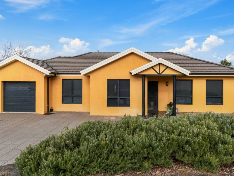 2/12 Kimberley Drive, Tatton, NSW 2650