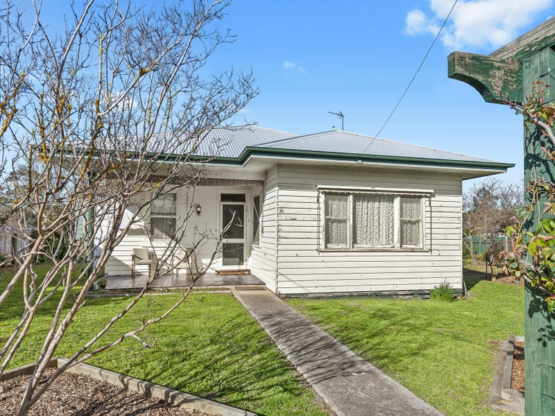16 Beaufort Road, Skipton, Vic 3361