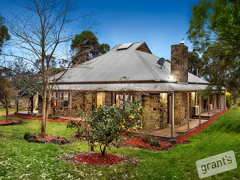 10 Mount Grandview Road, Pearcedale, Vic 3912