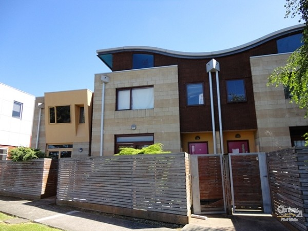 2/27-29 Clayton Road, Oakleigh East, Vic 3166