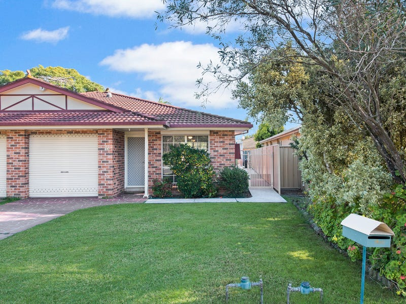 1/32 Bensley Road, Macquarie Fields, NSW 2564