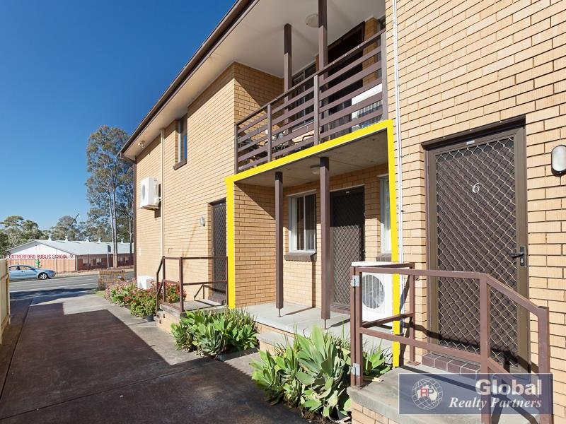 2/70 Weblands St, Rutherford, NSW 2320