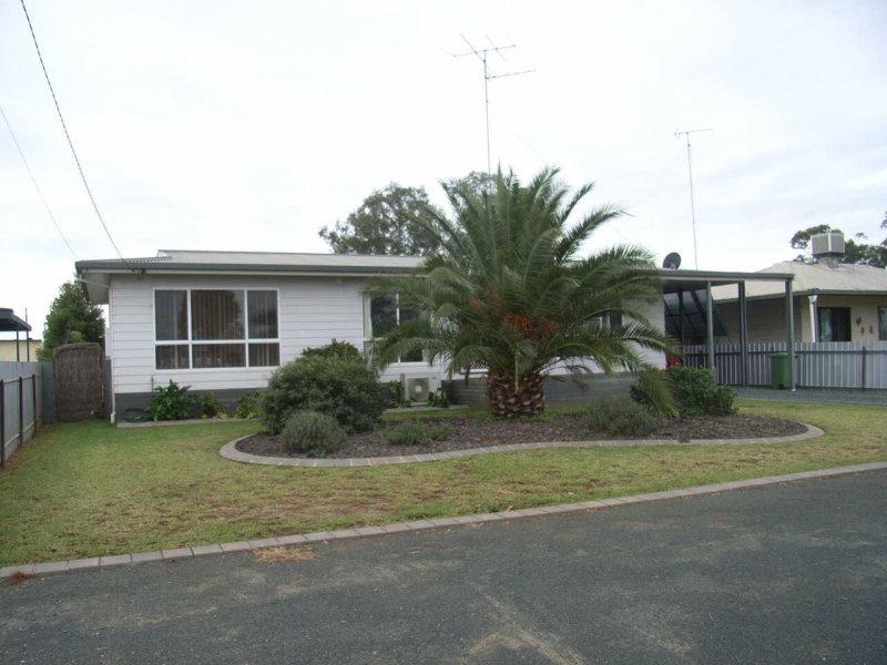 105 Cassin Street, Wyalong, NSW 2671