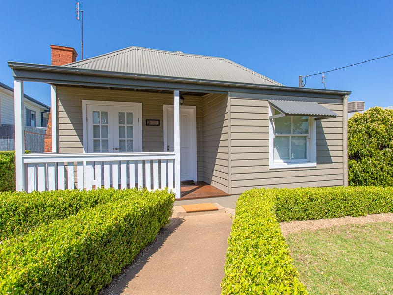 21 Macassar Street, Cowra, NSW 2794
