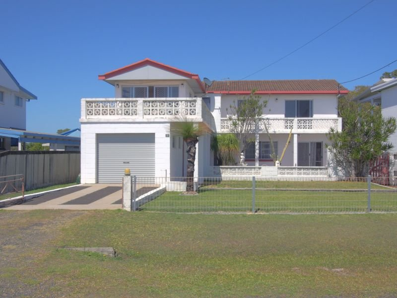 32 Honeysuckle Street, Brooms Head, NSW 2463