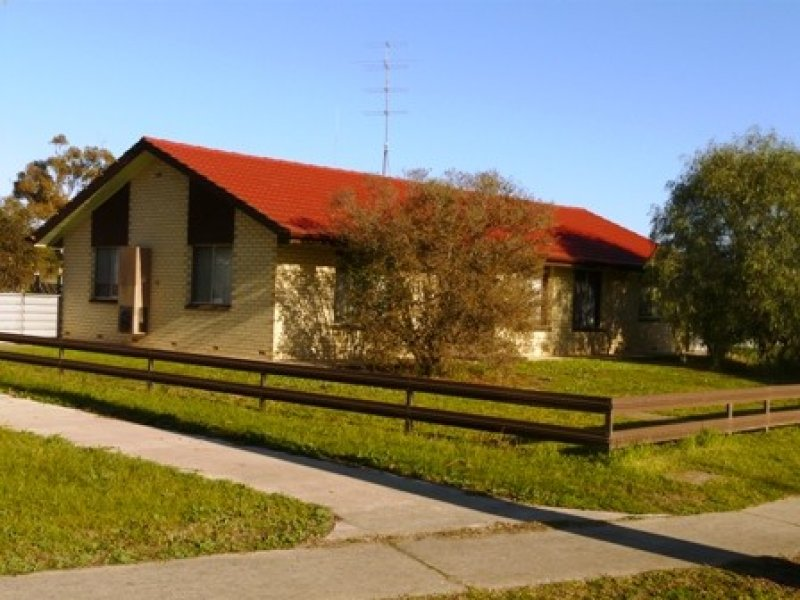 18 Peake Terrace, Coonalpyn, SA 5265