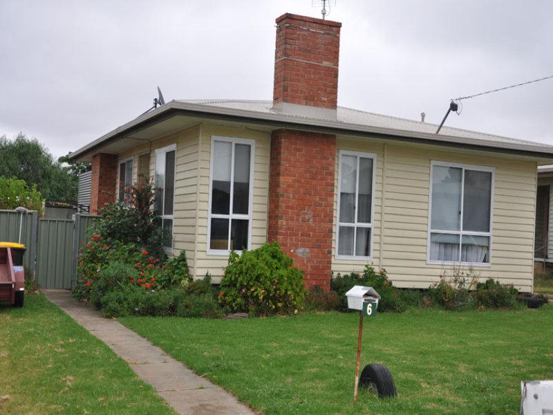 6 Mary Street, Charlton, Vic 3525