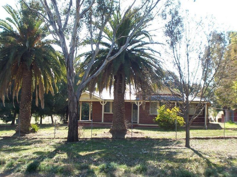 'Claron Park' Bartley Street, Cootamundra, NSW 2590