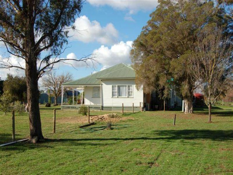 Address available on request, Pine Lodge, Vic 3631