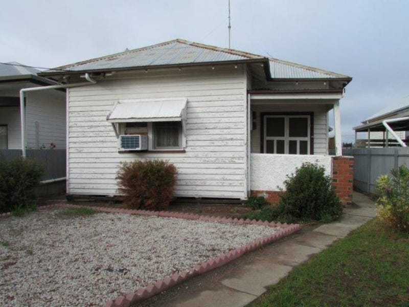 55 Woolcock Street, Warracknabeal, Vic 3393