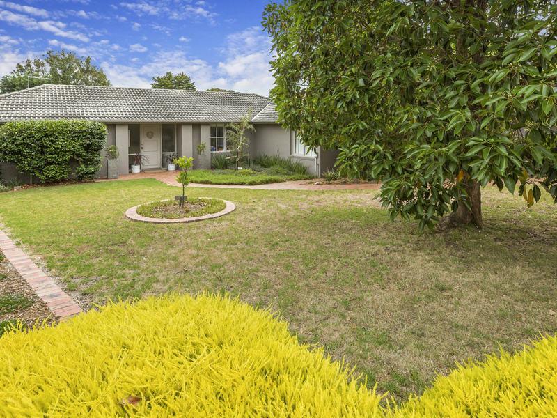 16 Seymour Avenue, Mount Eliza, Vic 3930