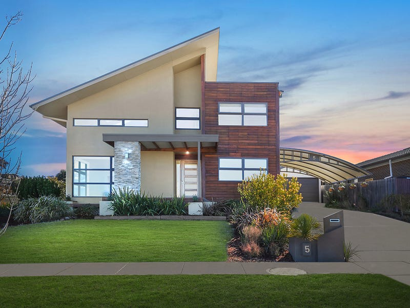 5 Lucy Beeton Crescent, Bonner, ACT 2914
