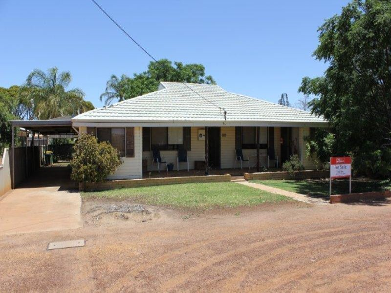 35 Currall Street, Narembeen, WA 6369