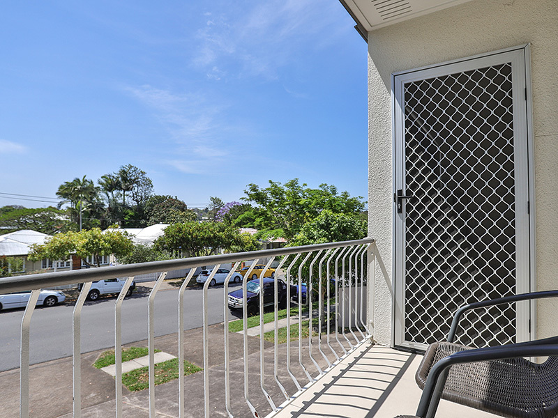 4/15 Barter Avenue, Holland Park, Qld 4121