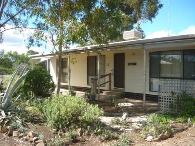 7 Kooyong Street, Rand, NSW 2642