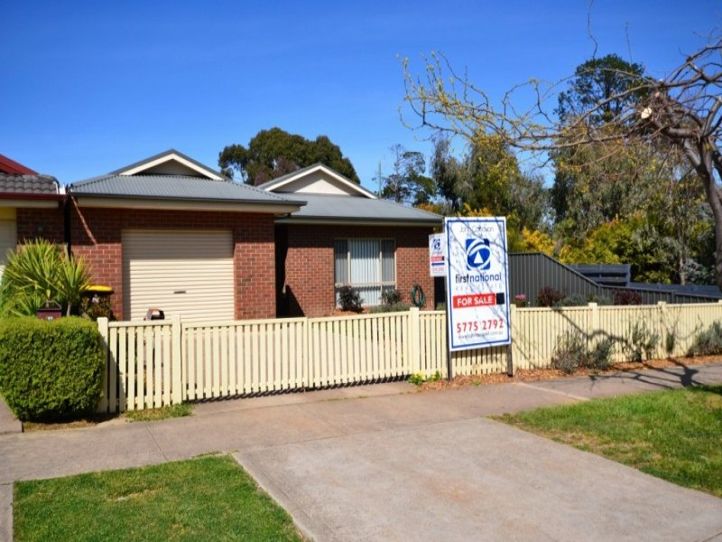 1/2 Somerset Crescent, Mansfield, Vic 3722