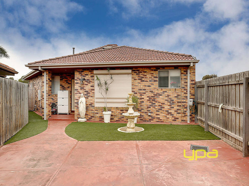 2/22 Gobur Court, Meadow Heights, Vic 3048