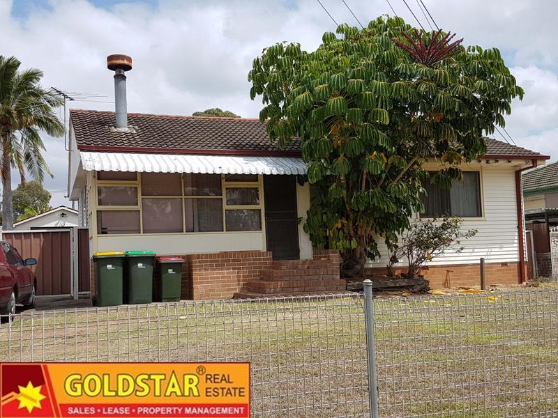 15 Kingarth St, Busby, NSW 2168