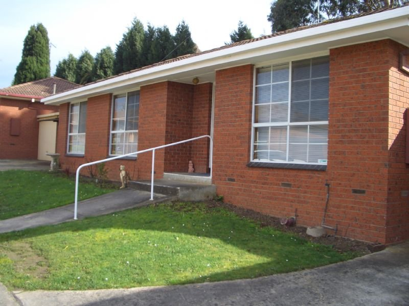 12/106 Burnbank St, Lake Wendouree, Vic 3350