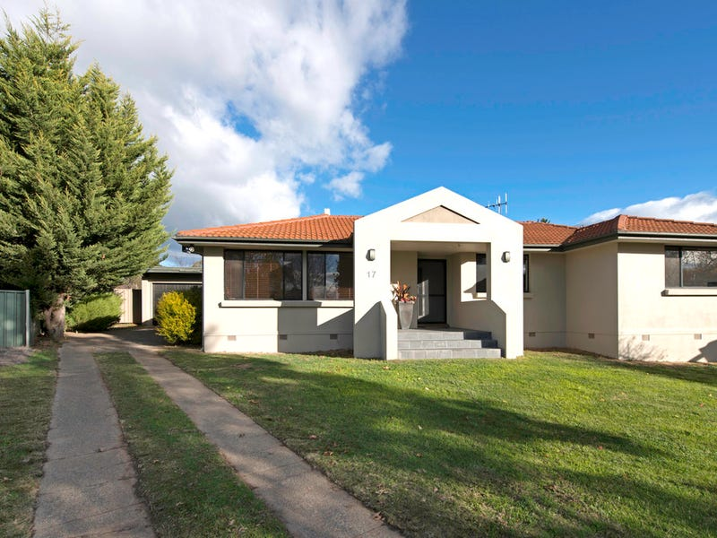 17 Powers Place, Latham, ACT 2615